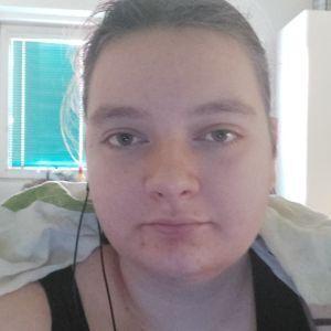 Sára Holakovská profile picture